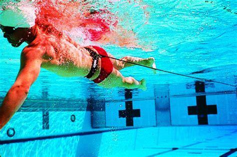 alimentazione nuoto agonistico l allenamento per il nuoto in palestra ilfitness