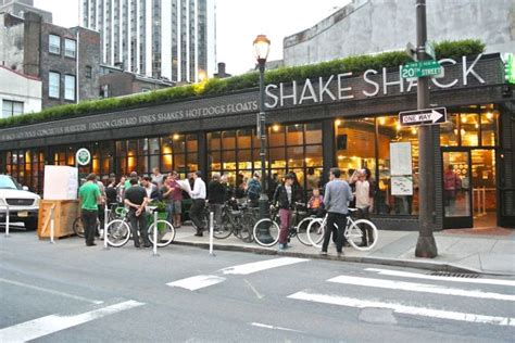 Shake Shack Corporate Office by Shake Shack To Open In Downtown Los Angeles