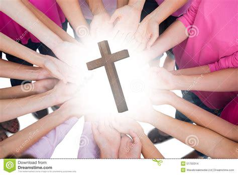 imagenes mujeres unidas una imagen compuesta de las manos unidas en el c 237 rculo que