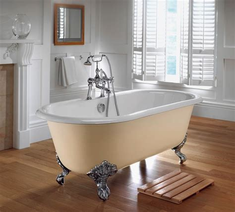 Bathtub Pics by Graceful And Clawfoot Bathtubs Ideas