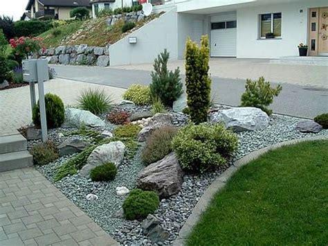 vorgarten mit hang steingarten am hang toll gardening