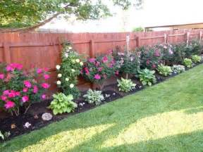 Backyard Plants by 17 Best Ideas About Landscaping Along Fence On