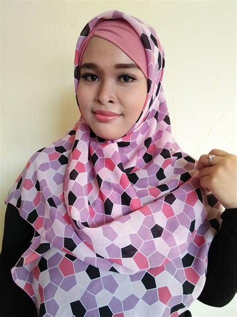 Segiempat Bolbal segiempat motif bola bahan warna pink scarf