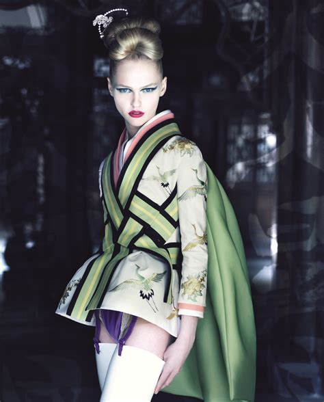 dior couture by demarchelier smile dior presents dior couture patrick demarchelier