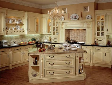 bloombety old cream country kitchen design old country la cuisine style cagne d 233 cors chaleureux vintage
