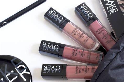 Harga Lipstik Merk Makeover 8 warna terbaru dari rangkaian lipstik make favorit