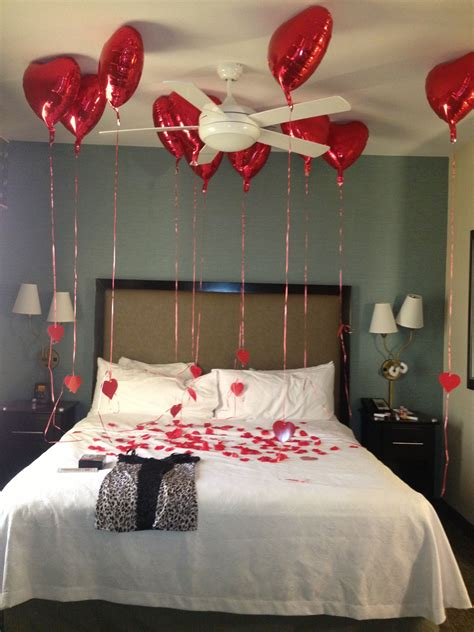 how to decorate room on valentine valentines hotel room for boyfriend or hubby he absolutely loved it cutsie wootsie