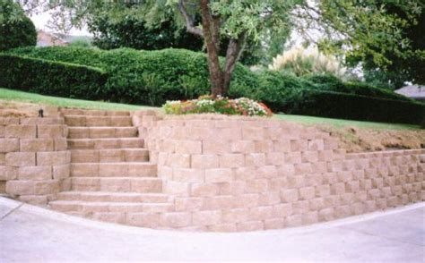 Landscape Ideas With Retaining Wall Triyae Landscaping Retaining Walls Various Design