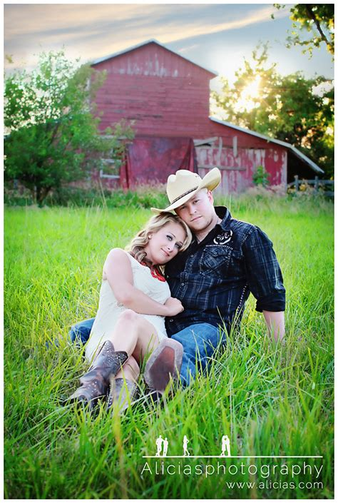 country style family pictures chicago western suburbs professional engagement