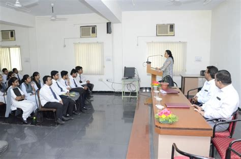 Mba In Srms Bareilly by Cus Placement Drive Bhilwara Infotechnology Limited