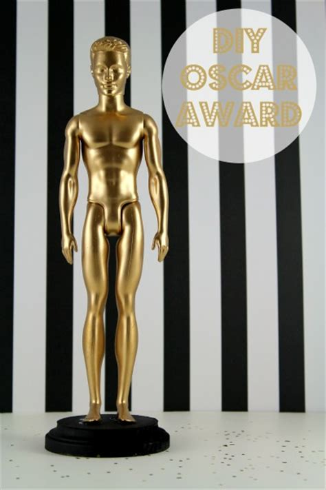 How To Make An Oscar Trophy Out Of Paper - diy oscar swag bag anchored