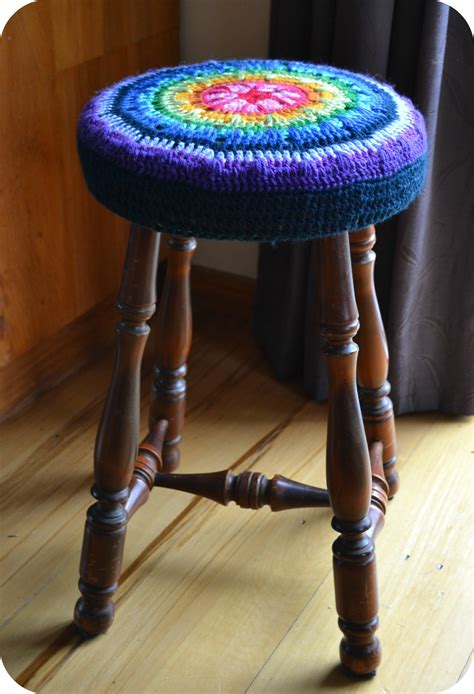 Bar Stool Cover Pattern by A New Crochet Stool Cover The Green Dragonfly