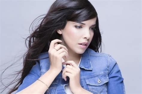 french biography of taylor swift indila lyrics music news and biography metrolyrics