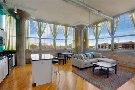 2 bedroom condo chicago two bedroom condo in north center s old bell howell