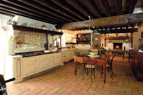 cucine in legno rustiche cucine rustiche su misura gover srl