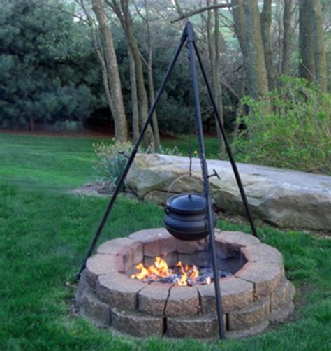 large professional cfire cooking kettle tripod