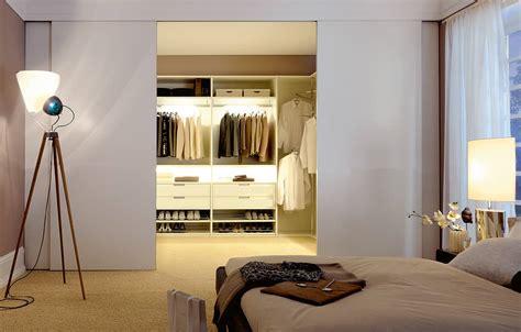 Schiebetüren Raumteiler by Dekoideen 187 Begehbarer Kleiderschrank Als Raumteiler