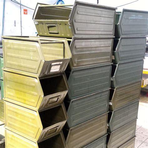 cassette bocca di lupo contenitori in metallo quot bocca di lupo quot scaffali usati