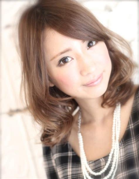 Roll Hair Tanpa Penjepit Produk Jepang 3 tren gaya rambut terpopuler di jepang kawaii japan