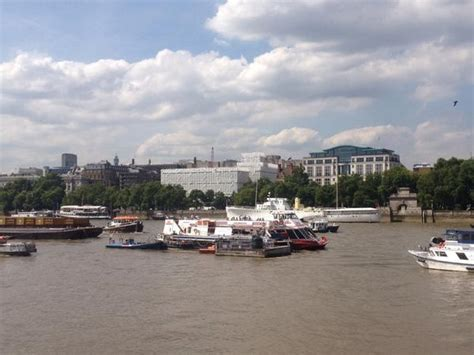 thames river boat accident barge crashes into river boat on the river thames itv news