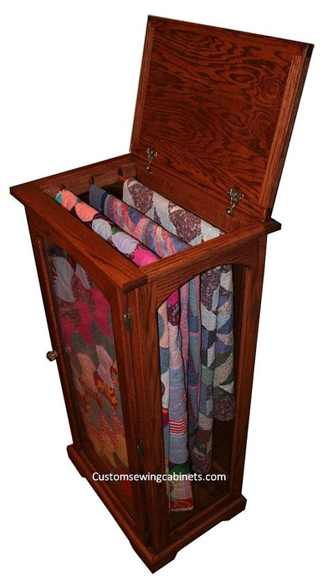 Quilt Storage Cabinets 25 Best Ideas About Quilt Display On Quilt Racks Quilting Room And Rustic Storage