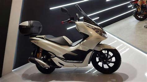 Pcx 2018 Putih Modif by Contoh Modifikasi Honda Pcx 150 Keren Informasi Otomotif
