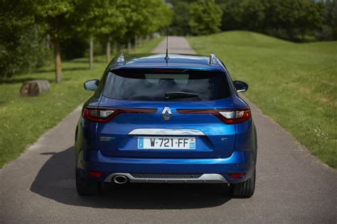 new renault megane 2017 renault megane estate launched photos video and