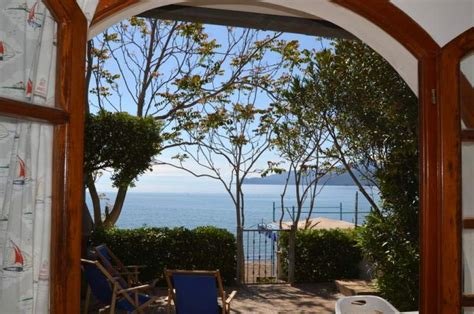 affitto casa sulla spiaggia appartamento con terrazza sulla spiaggia a capoliveri