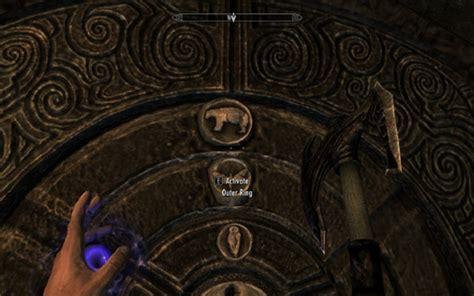 pattern to unlock door in skyrim skyrim golden claw puzzle solutions