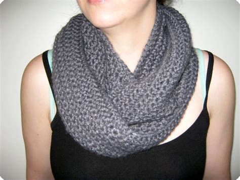stitch by fay loop crochet infinity scarf cowl pattern