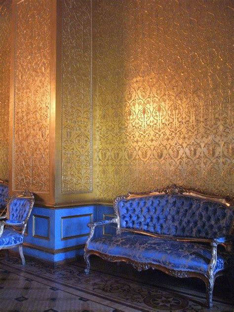 indigo gold walls and house tours on