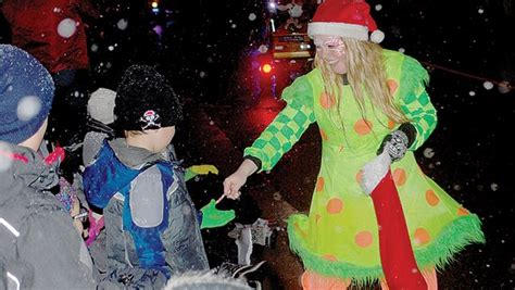 newcastle santa claus parade draws thousands