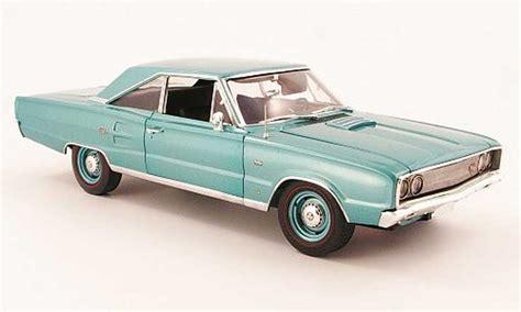Echelle Alu 3195 by Dodge Coronet 1967 Miniature R T 426 Verte Highway 61 1 18
