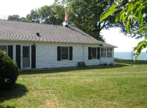 Lake Erie Cottages For Rent by Lake Erie Lakefront 1 Br Vacation Cottage For Rent In