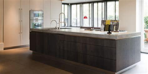 showroommodel design badkamermeubel te koop hollands maatwerk moderne greeploze keuken