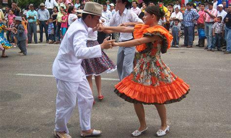 imagenes de traje tipico venezuela en contacto con el joropo published by alix romanov on