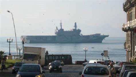 portaerei garibaldi arrivano a napoli le navi militari garibaldi e san giorgio