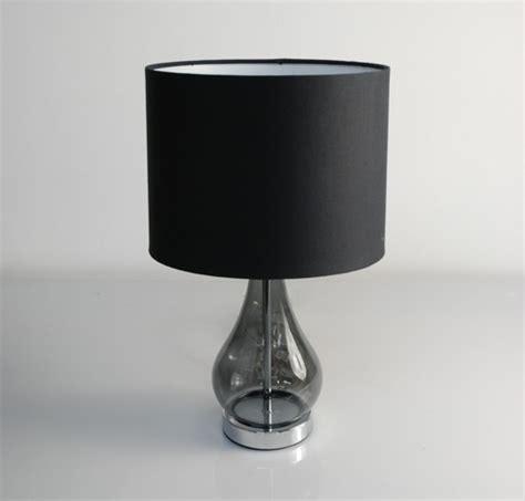 designer nachttisch aus glas moderne nachttisch len weiches licht und pr 228 chtige