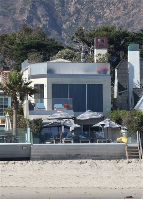 jim carrey s house jim carrey house 28 images jim carrey in malibu homes zimbio jim carrey sells