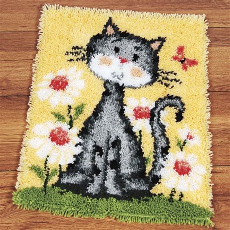 latch hook rugs kits pin by laurie battles on latch hook rug kits