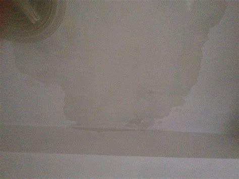 infiltrazioni acqua soffitto riparazione soffitti e pareti da infiltrazioni d acqua