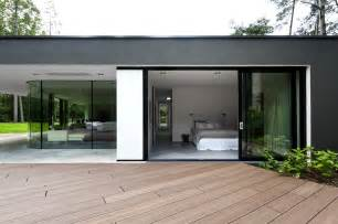 modern bungalow design in cubic volume visual effect