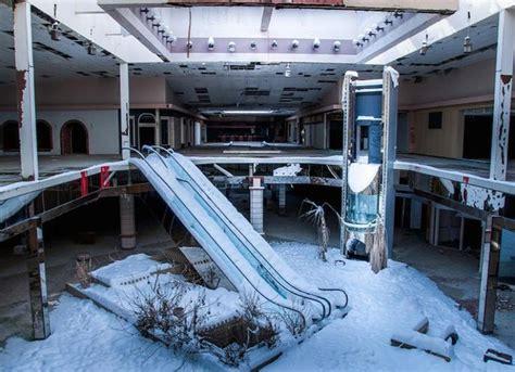 eerie abandoned shopping malls of america 17 fascinatingly creepy photos of abandoned shopping