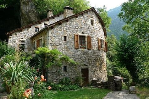 photos of cottages in italy houses