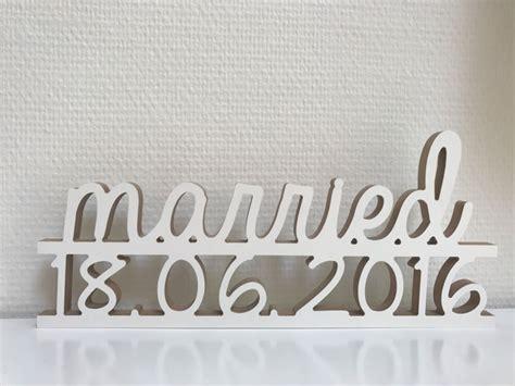 Hochzeitsgeschenk Dekorieren by Hochzeitsgeschenk Quot Married Quot Mit Datum Dekoration