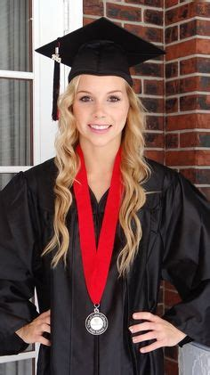 cute graduation hairstyles with cap this is so cute for graduation graduation pinterest