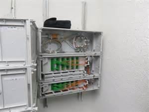 reportage orange installe une livebox dans un immeuble