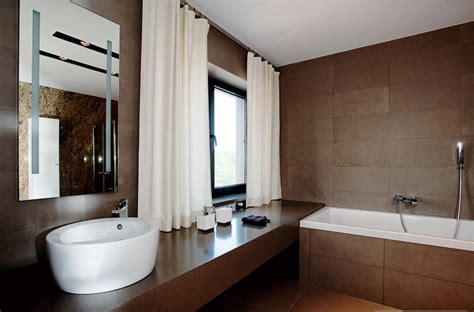 Modern Brown Bathroom Ideas Modern White And Brown Bathroom Design Interior Design Ideas