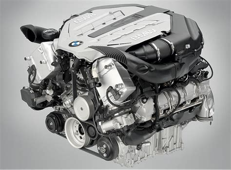 foto bmw  ottomotor mit twin turbo und high precision