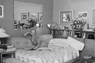 marilyn monroe bedroom what did marilyn monroe wear to bed the answer might